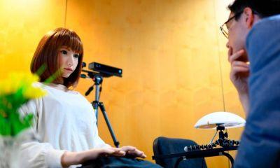 primera película protagonizada por un robot