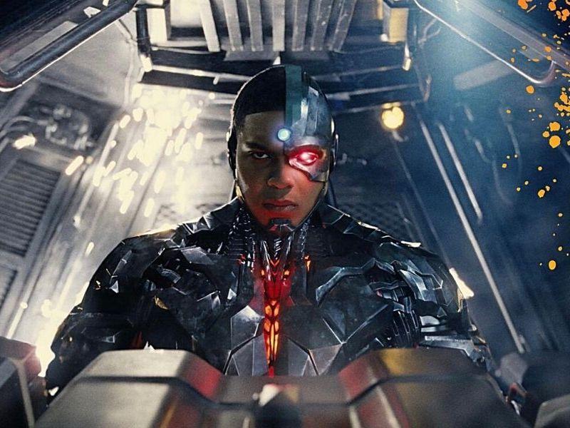 Ray Fisher comparte una foto como Cyborg