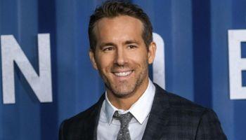 Ryan Reynolds interpretaría a Sherlock Holmes