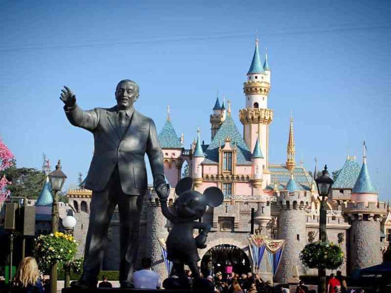 fecha de reapertura de Disneyland