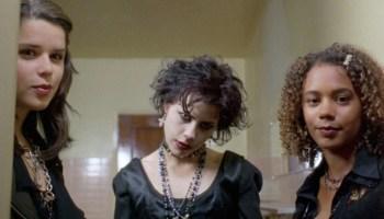Rachel True sufrió de racismo en 'Jóvenes Brujas'