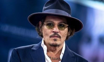 Johnny Depp deseó feliz Navidad
