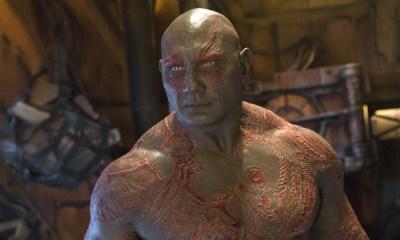 Dave Bautista presume su nuevo tatuaje