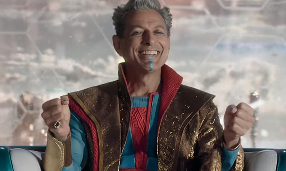 Jeff Goldblum junto a integrantes de Love and Thunder