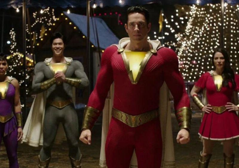 detalles del traje de Shazam