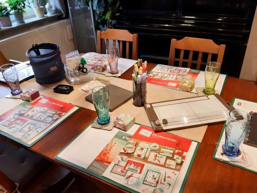 Tischvorbereitungen