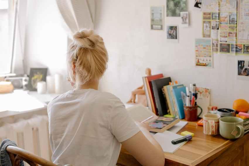 kekurangan dan kelebihan asrama