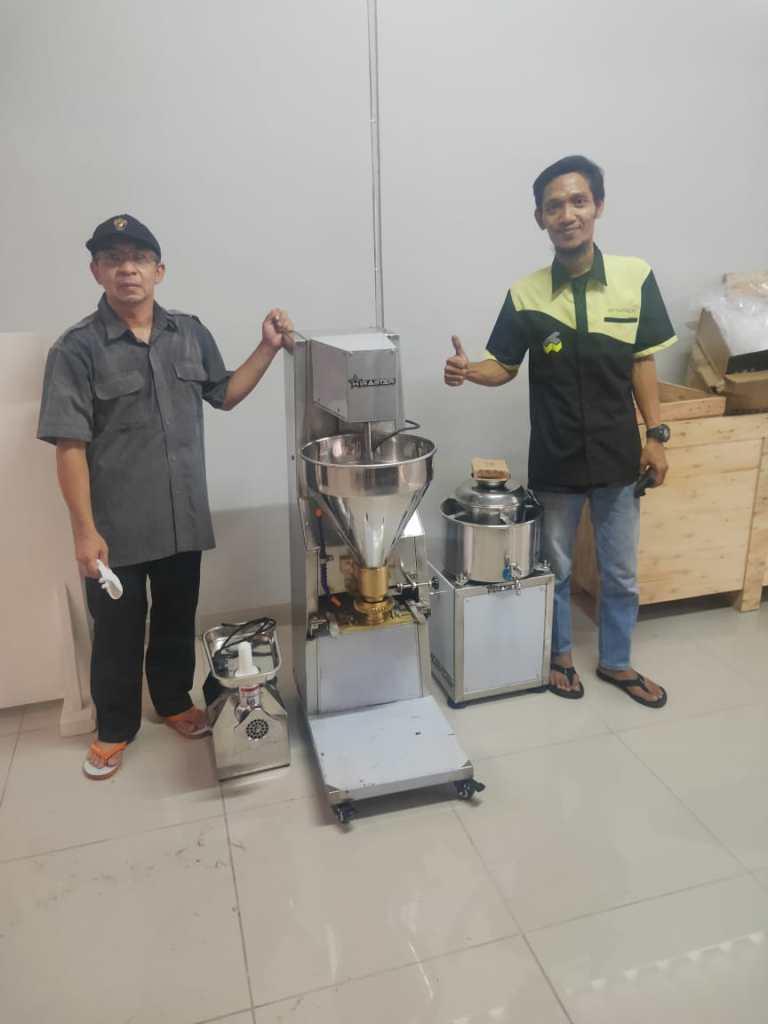 3. Bapak Edi Wibowo - Cengkareng - Mesin Cetak Bakso MBM-300 - Meat Grinder MGD-12A - Meat Mixer MMX-R22 - 17 November 2020