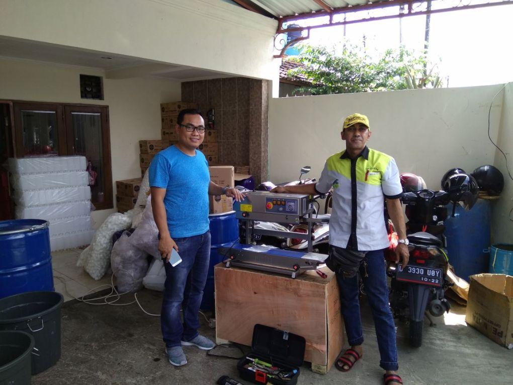 Pak Arifin, Cakung, Liquid Piston Filling