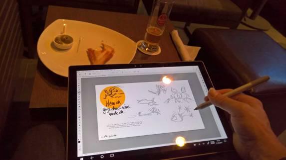 beim-Zeichnen auf dem Surface -in-der-Bar