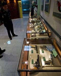 guns on display in mexico city