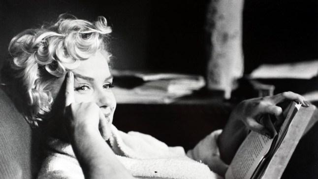 Marilyn Monroe reading a book