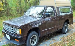 1989 Chevy S10 5-Speed 2 5L 4 Cylinder Start Up, Review And Tour