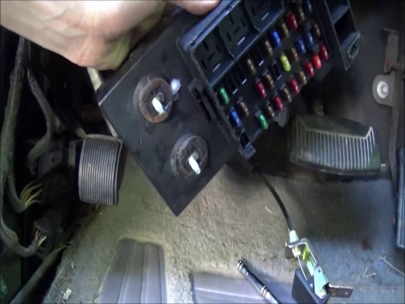 moreover Dsc furthermore F X Gem Module Removal Tips Time Lapse Youtube furthermore Dsc in addition . on 1997 f150 gem module location