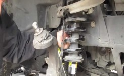 Replacing Struts And Coils On A Trailblazer Part: 1 – Youtube