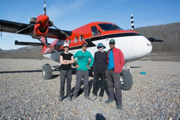 The team ready to head home after a successful field season.