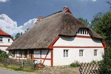Kultur und Cappucino im Helene-Weigel-Haus
