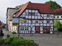 Das Benedixhaus am Markt in Bergen auf Rügen mit Touristinfo und Ticketshop der Inselexperten