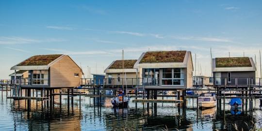 Die schwimmenden Ferienhäuser in Lauterbach