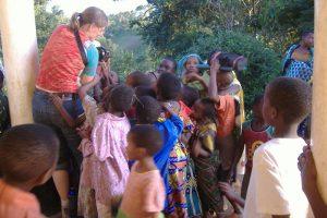 Bei der Arbeit in Tansania