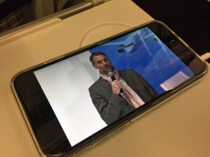 Erde an Flugzeug: Live-Stream aus dem Forum in die Luft