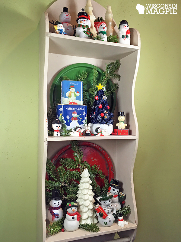 snowmen on a shelf