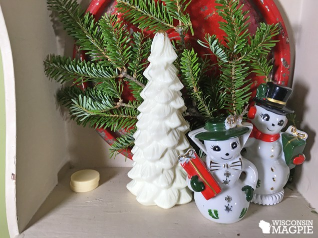 vintage snowmen and tree
