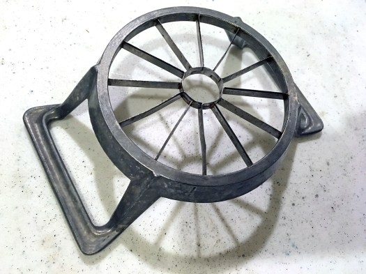 Aluminum apple corer slicer