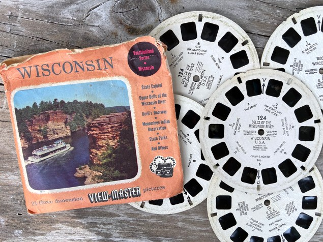Collected castoffs: vintage Wisconsin View Master pictures