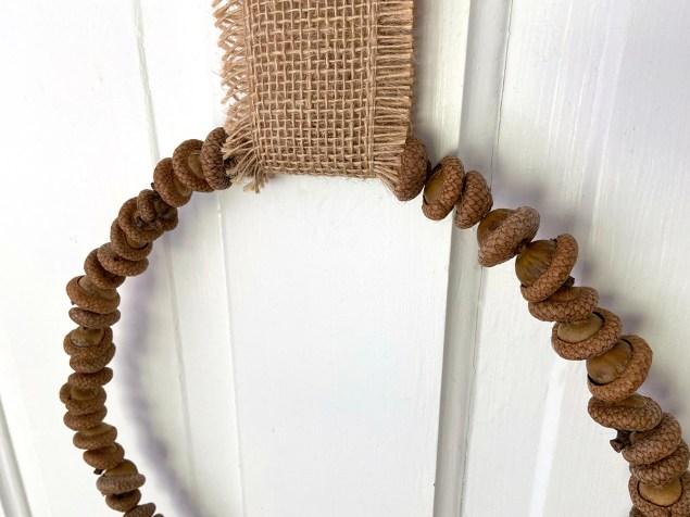 simple DIY acorn wreath