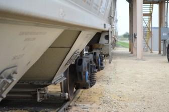 A standard sand-carrying unit train hauls sand in Wheeler.