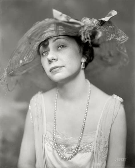 digital history of America 1900-1920   women