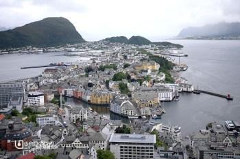 挪威 | 峽灣裡的童話小鎮。奧勒松Fjellstua Aksla觀景台