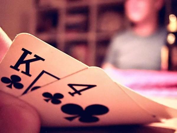 https://commons.wikimedia.org/wiki/File%3ATexas_Hold_'em_Hole_Cards.jpg