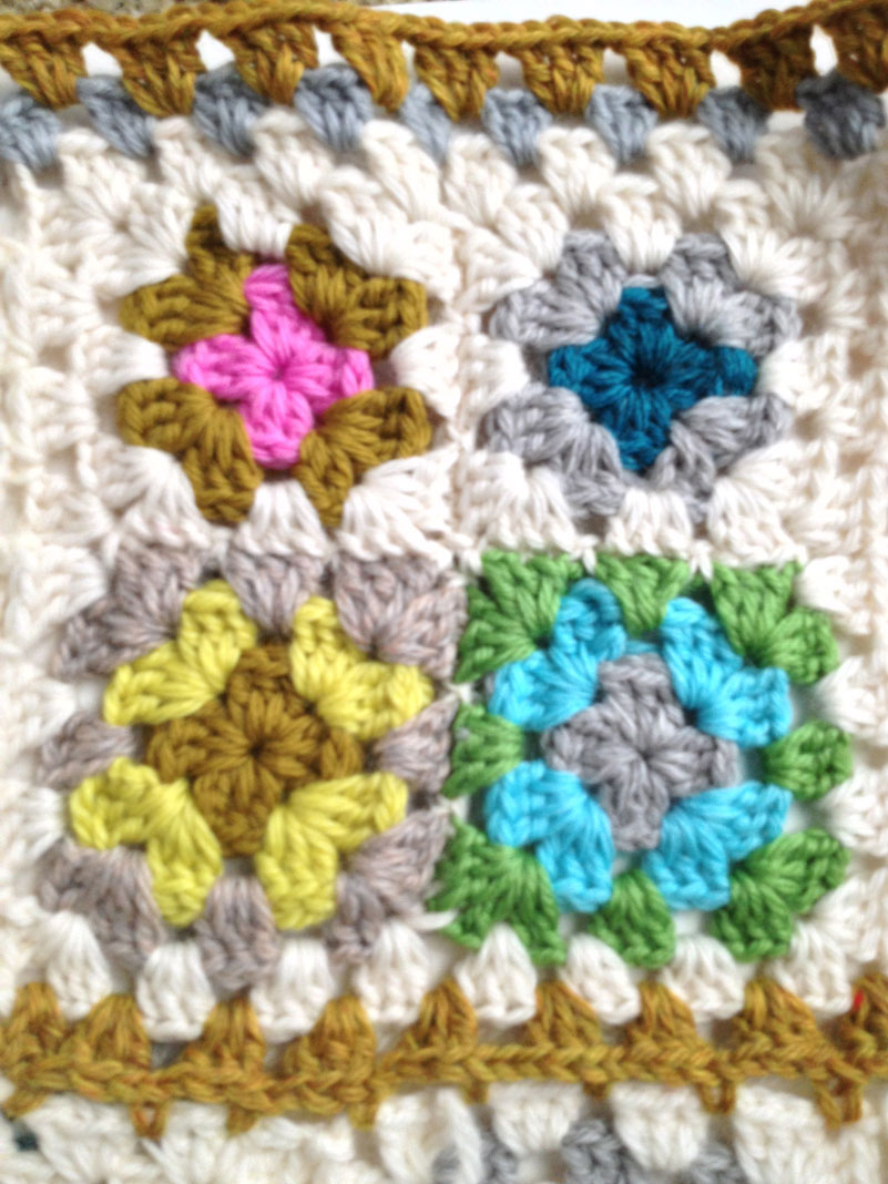 Granny Square Sampler 18
