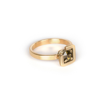 Earth ring brownish green zircon diagonal set in brushed yellow gold side view 2