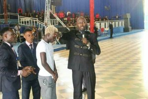 Apostle Suleman Gives Football Juggler N500k After He Did This (Photos)