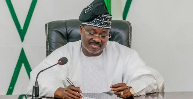 Isiak Abiola Ajimobi: The Rise And Fall Of Oyo Emperor - Alaba Abdulrazak