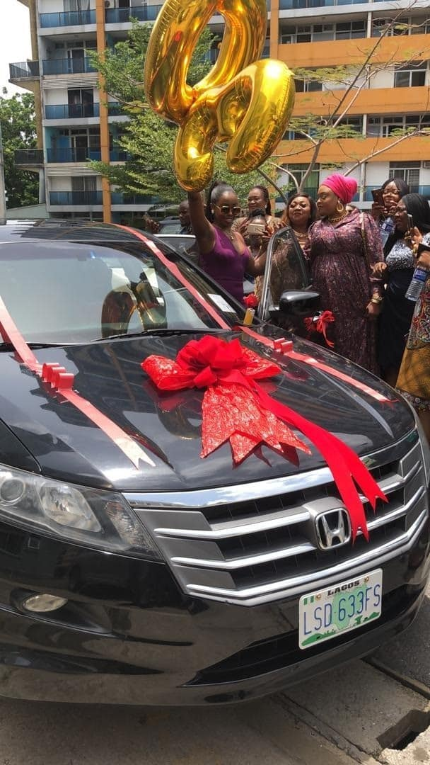 Fans Surprised Bambam With A Car Gift For Her 30th Birthday (Video)