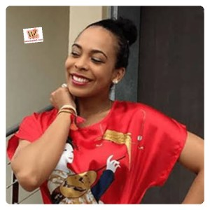 #Bbnaija: TBoss Brings Out Her Br*ast In Public (Video)