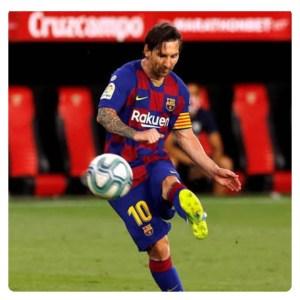 Lionel Messi kicked the ball in Sevilla vs Barcelona match in June 2020