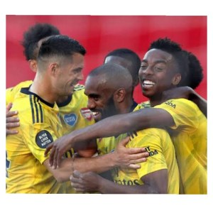 Arsenal players celebrating their winning in Southampton vs Arsenal match