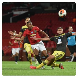 Martial beats defenders and shoot the ball to meet in Man Utd vs Southampton 2-2 Highlights