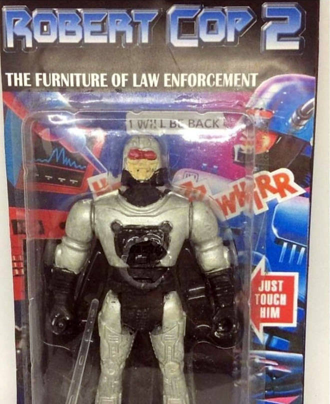 El gemelo retrasado de Robocop.