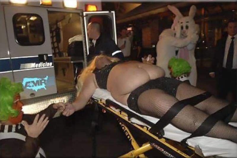 Si nunca has acabado en una ambulancia, medio desnudo, en pantalones cortos de lentejuelas, con un Umpa Lumpa cogiéndote la mano y con dos conejos gigantes llorando abrazados, es que no has disfrutado de la vida.