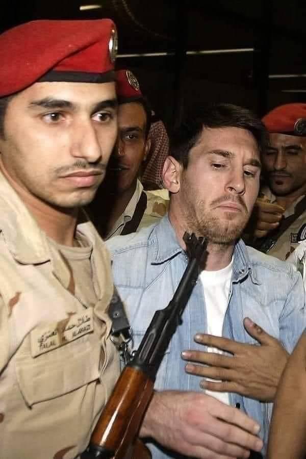 Un recuerdo de la visita de Messi a Arabia Saudí.
