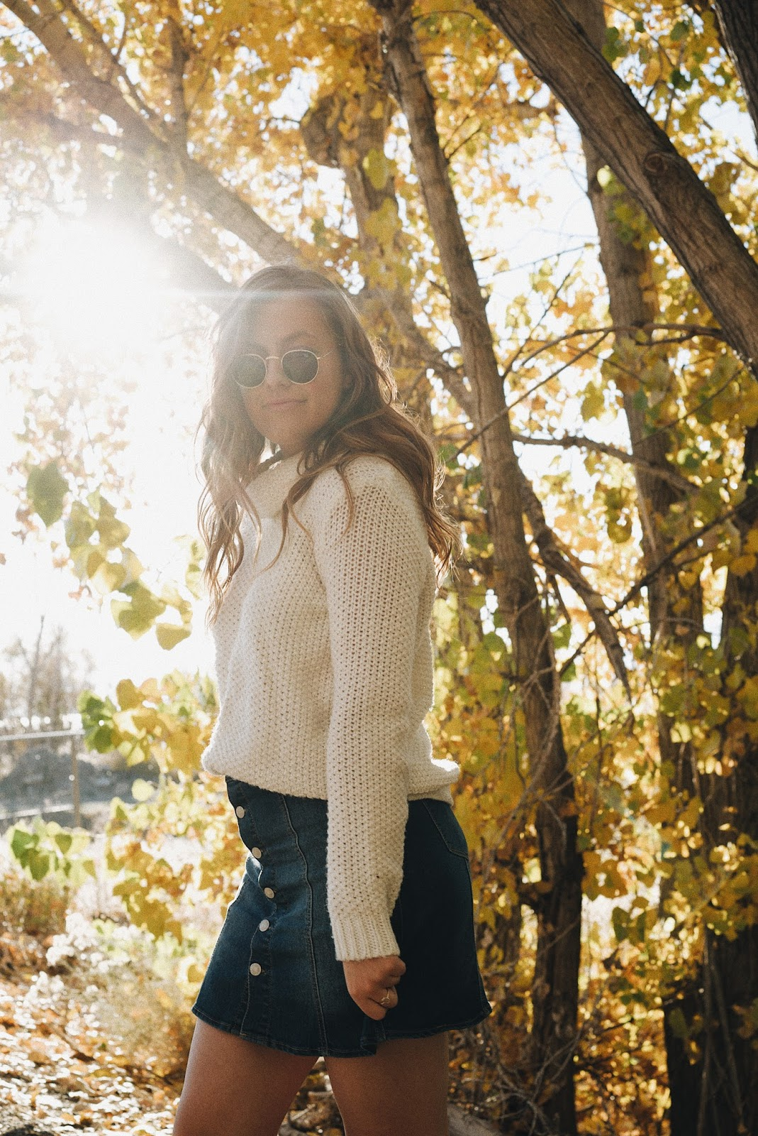 rayban round sunglasses long hair fall outfit