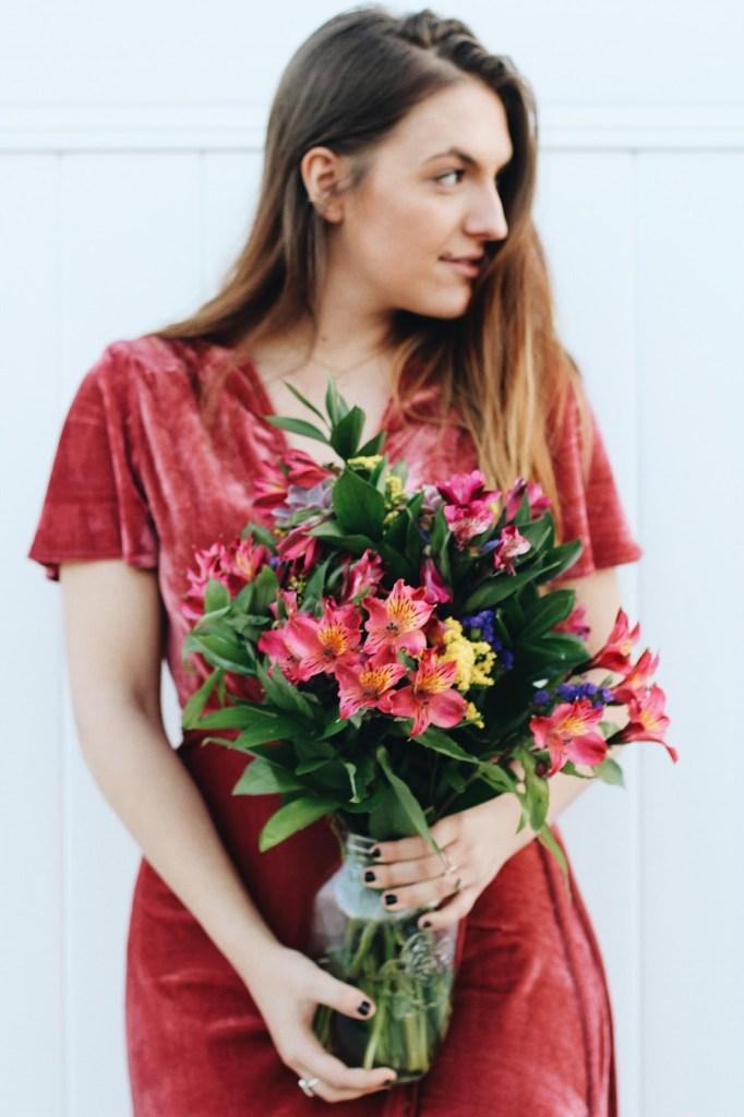 wear for valentine's day bouquet for valentine's portrait