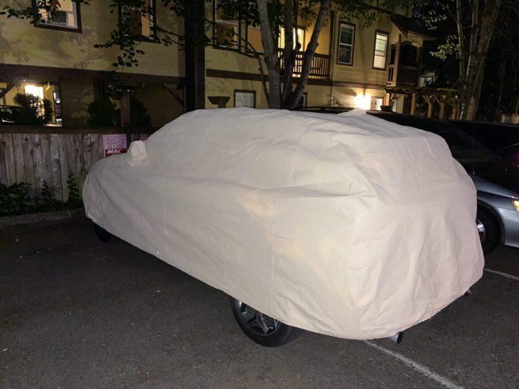 Covercraft custom evolution cover for BMW X1