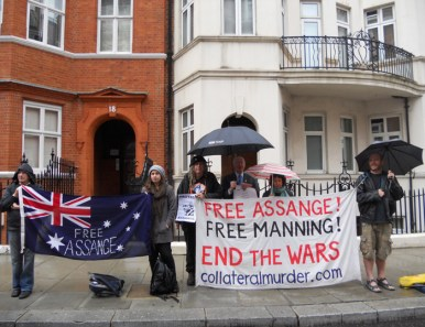 Vigil at the Ecuadorian embassy (Clara and Jim second and third from left)